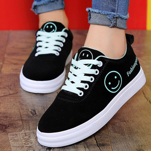 eee3d365a5def1 NEW Platform Sneakers Graphic Black Suede Size 5